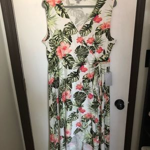 Beautiful Floral high/low Wrap Dress Size 2X NWT